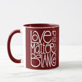 愛バランスの白のマグ マグカップ