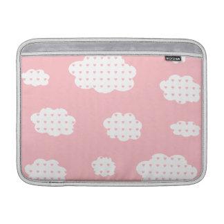 愛ピンクのチャンスと曇った MacBook スリーブ
