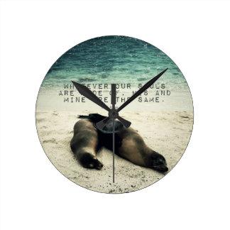 愛ロマンチックなカップルの引用文のビーチエミリーBronte ラウンド壁時計