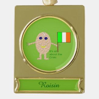 愛国心が強いアイルランドの卵のカスタムなオーナメント ゴールドプレートバナーオーナメント