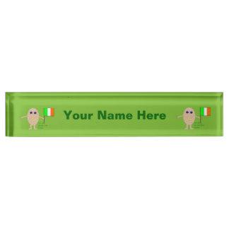 愛国心が強いアイルランドの卵のカスタムのネームプレート デスクネームプレート
