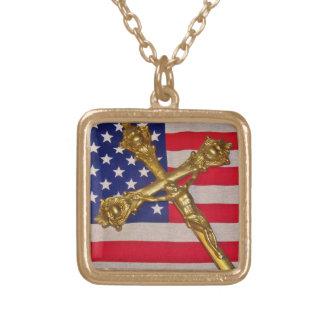 愛国心が強いカトリック教の十字架像のネックレス ゴールドプレートネックレス