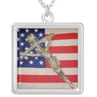 愛国心が強いカトリック教の教皇の十字架像のネックレス シルバープレートネックレス