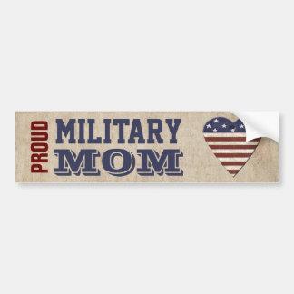 愛国心が強いハートの誇り高い軍のお母さん バンパーステッカー