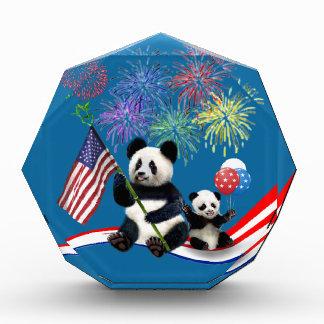 愛国心が強いパンダ 表彰盾