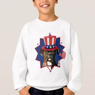 愛国心が強いボクサー犬はスエットシャツをからかいます スウェットシャツ