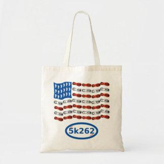 愛国心が強いランナー(足および靴が付いている米国の旗) トートバッグ