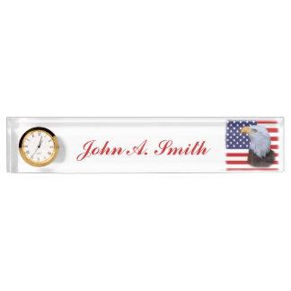 愛国心が強いワシおよびカスタマイズ可能な米国の旗 デスクネームプレート