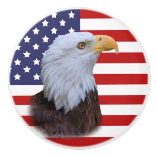 愛国心が強いワシおよび米国の旗 セラミックノブ
