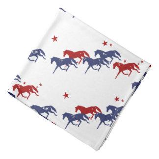 愛国心が強い小走りに走る馬パターン バンダナ