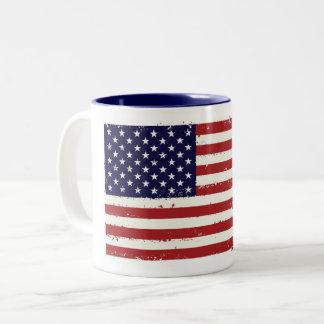 愛国心が強い旗のマグ ツートーンマグカップ