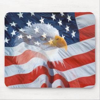 愛国心が強い白頭鷲の米国旗 マウスパッド