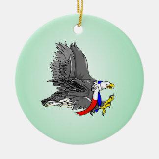 愛国心が強い白頭鷲の赤く白くおよび青のスカーフ セラミックオーナメント