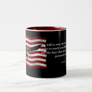 愛国心が強い米国の旗禿げたイーグルスおよび孔子は引用します ツートーンマグカップ