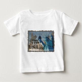愛国心が強い記念物9-11-01米国はBCOFを勇敢の放します ベビーTシャツ
