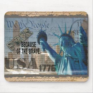 愛国心が強い記念物9-11-01米国はBCOFを勇敢の放します マウスパッド