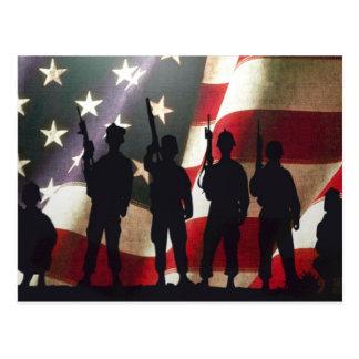 愛国心が強い軍の兵士のシルエット ポストカード