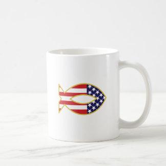 愛国心が強い魚 コーヒーマグカップ