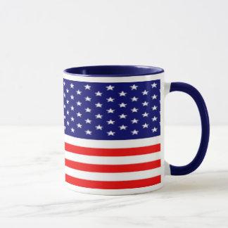 愛国心が強い7月4日のマグ マグカップ