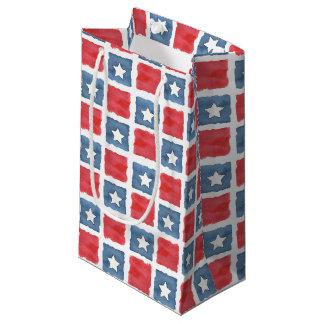 愛国心が強く赤く白くおよび青の水彩画 スモールペーパーバッグ