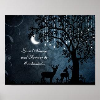 愛常に魅了された月、ライト、木およびシカ ポスター