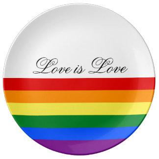 愛平等の虹の旗LGBTのレズビアンゲイプライド 磁器プレート