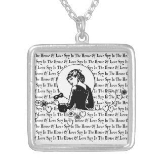 愛正方形の銀のネックレスの家のスパイ シルバープレートネックレス
