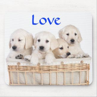 愛黄色いラブラドル・レトリーバー犬の子犬のマウスパッド マウスパッド
