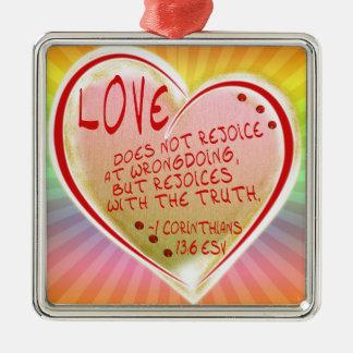愛1 Corinthians 13: 6 ESV シルバーカラー正方形オーナメント