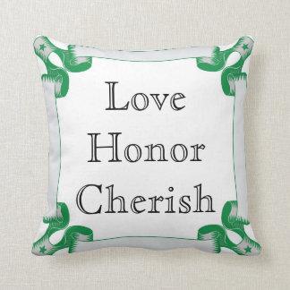 愛、名誉は緑のリボンのボーダーと、大事にします クッション