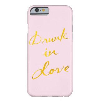 愛iPhone6ケースで飲まれる-ピンク及び金ゴールド Barely There iPhone 6 ケース