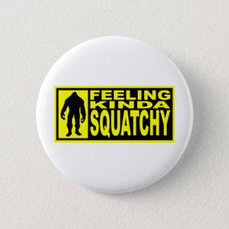 感じのSquatchyのギア-ビッグフットを見つけること 5.7cm 丸型バッジ