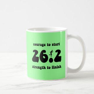 感動的なマラソン コーヒーマグカップ