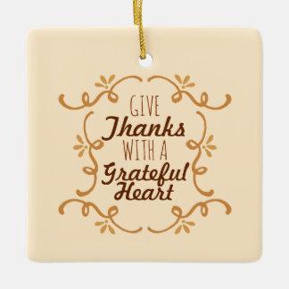 感謝したハートの感謝祭|のオーナメントを使って セラミックオーナメント