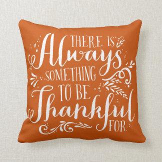 感謝している原稿のオレンジ感謝祭の枕があって下さい クッション