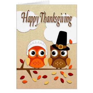 感謝祭のための巡礼者として服を着るフクロウのカップル グリーティングカード