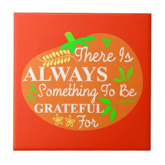 感謝祭の常に感謝したカボチャタイポグラフィ タイル