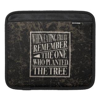 感謝: 木を植えた人を覚えて下さい iPadスリーブ