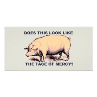 慈悲の顔のようにこの見えか。  気難しいブタ カード