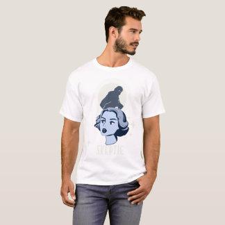 懐疑的-雪男ビッグフットはギフトのティーを信じます Tシャツ