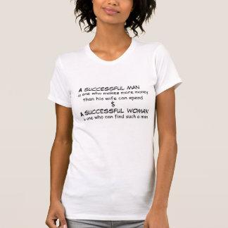 成功した人および巧妙な女性のTシャツ Tシャツ