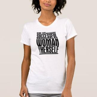 成功した女性 Tシャツ