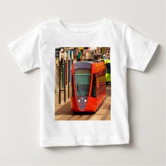 成功のランスフランスの市街電車のシャトルに動かして下さい ベビーTシャツ