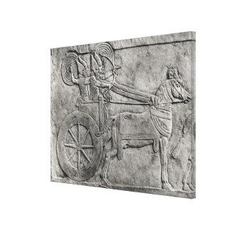 戦いのアッシリアの軍隊を描写するレリーフ、浮き彫り キャンバスプリント
