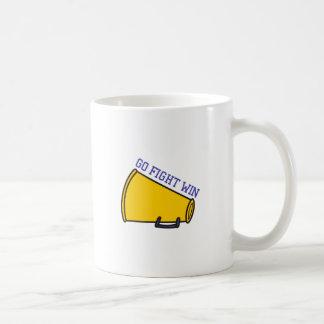 戦いの勝利は行きます コーヒーマグカップ