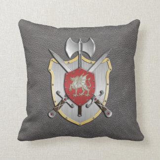 戦いの頂上のドラゴンの灰色 クッション