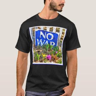戦争のティー無し Tシャツ