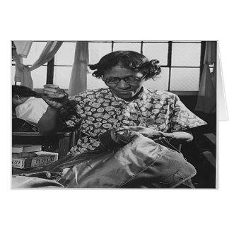 戦争の努力1942年のためのアフリカ系アメリカ人の女性の裁縫 カード