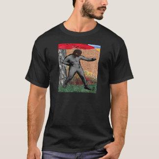 戦争及び平和及びナルシスト(超現実主義的なコラージュ) Tシャツ