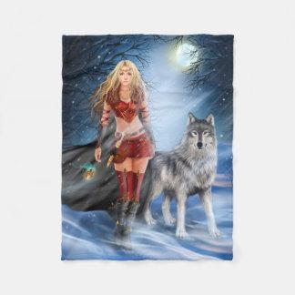 戦士の女性およびオオカミの小さいフリースブランケット フリースブランケット